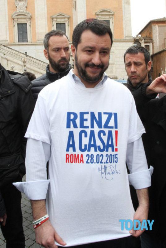 Magliette Salvini 3.jpg