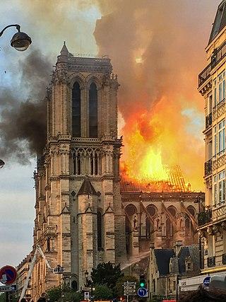 320px-Incendie_Notre_Dame_de_Paris.jpg
